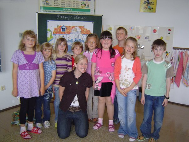 Amanda with 2nd grade class at Hory primary school